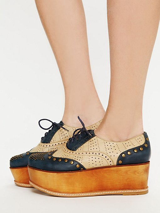 Ness Stacked Wingtip