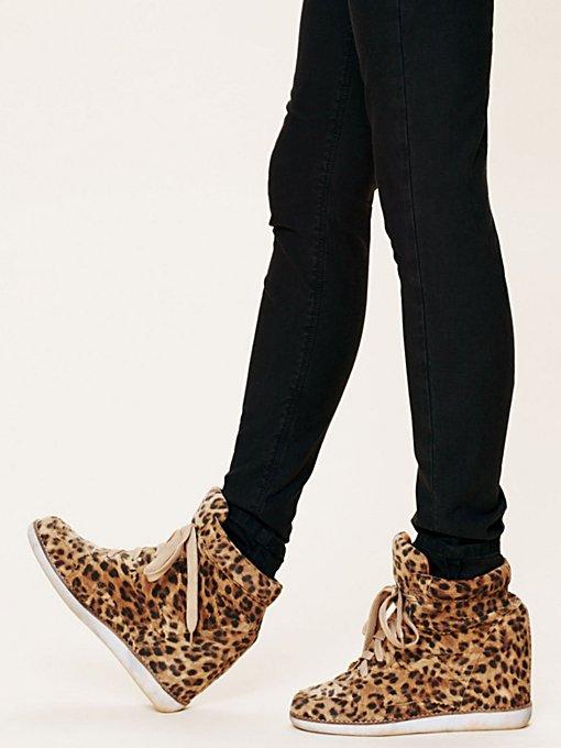 Leo Wedge Sneaker