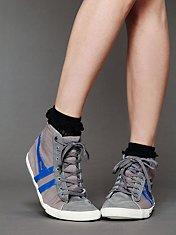 Retro Classic Hi Top Sneaker