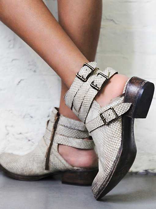 Riga Ankle Boot