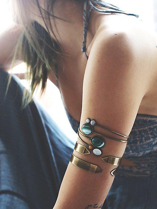 Stone Wrap Armband
