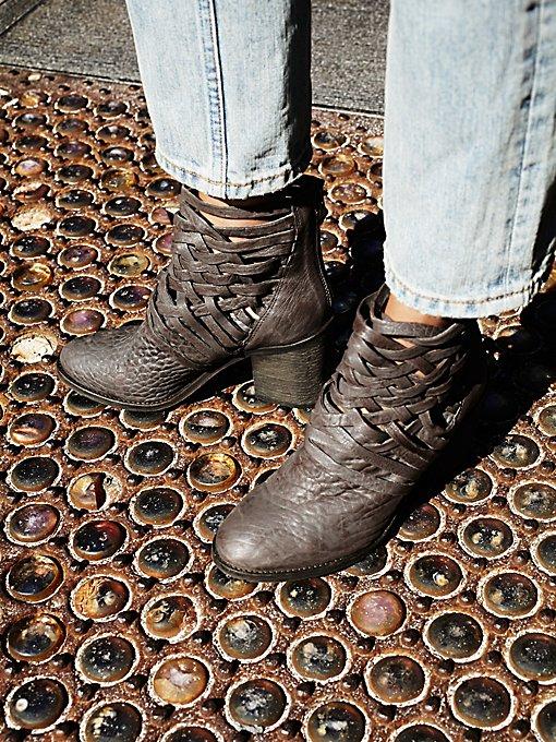Carrera Heel Boot