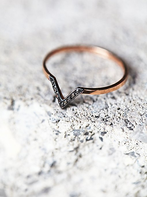 Black Diamond V Ring